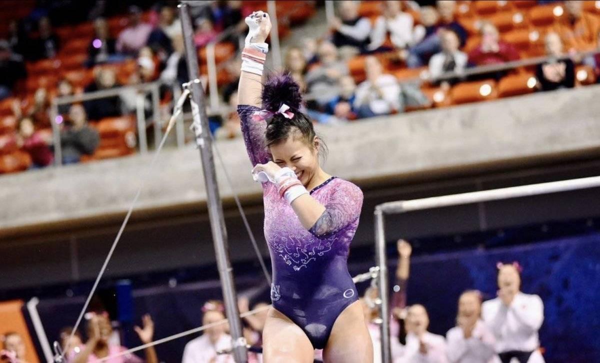 La gimnasta se fracturó las piernas en abril Instagram @sam_cerio