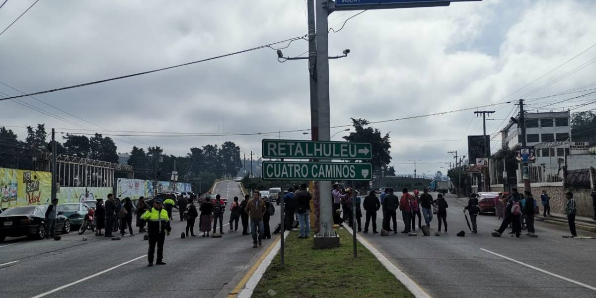 Autoridades y pobladores de Huehuetenango anuncian que mantendrán bloqueos