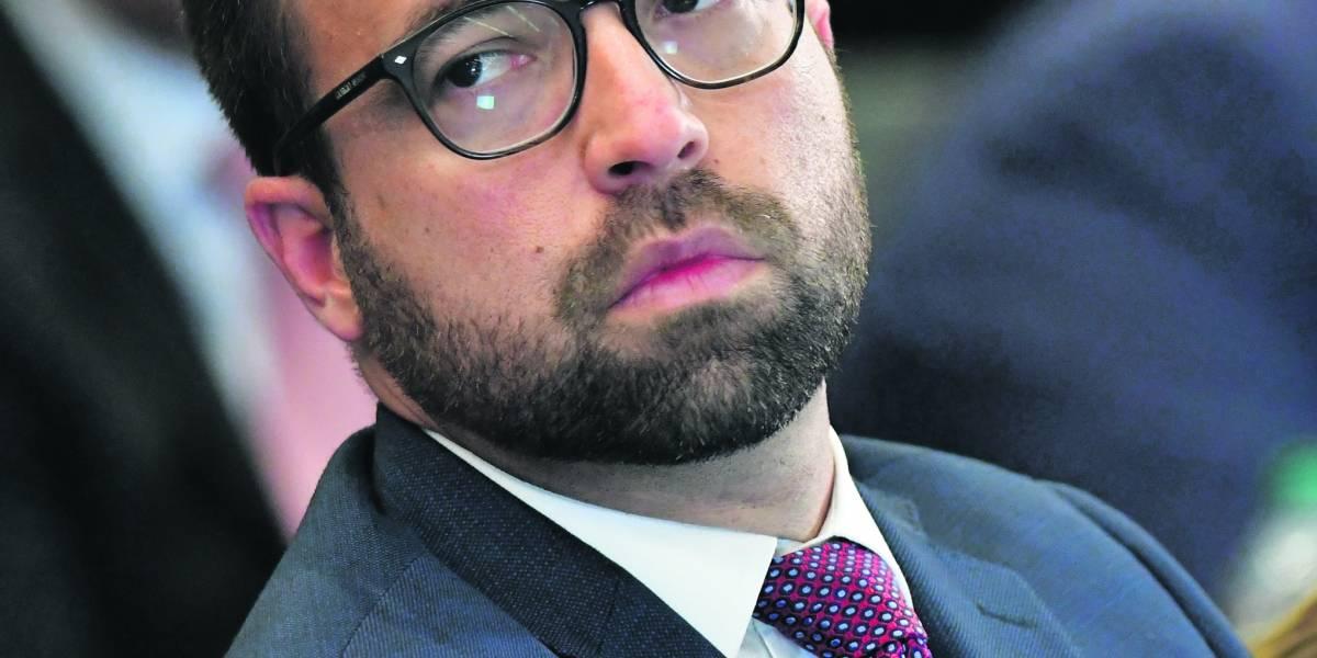 Familias con toldos azules serán prioridad al llegar fondos federales de recuperación