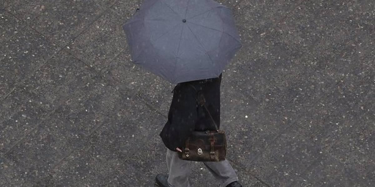 Confirman posibilidad de tormentas eléctricas, chubasco y granizo en la Región Metropolitana esta noche