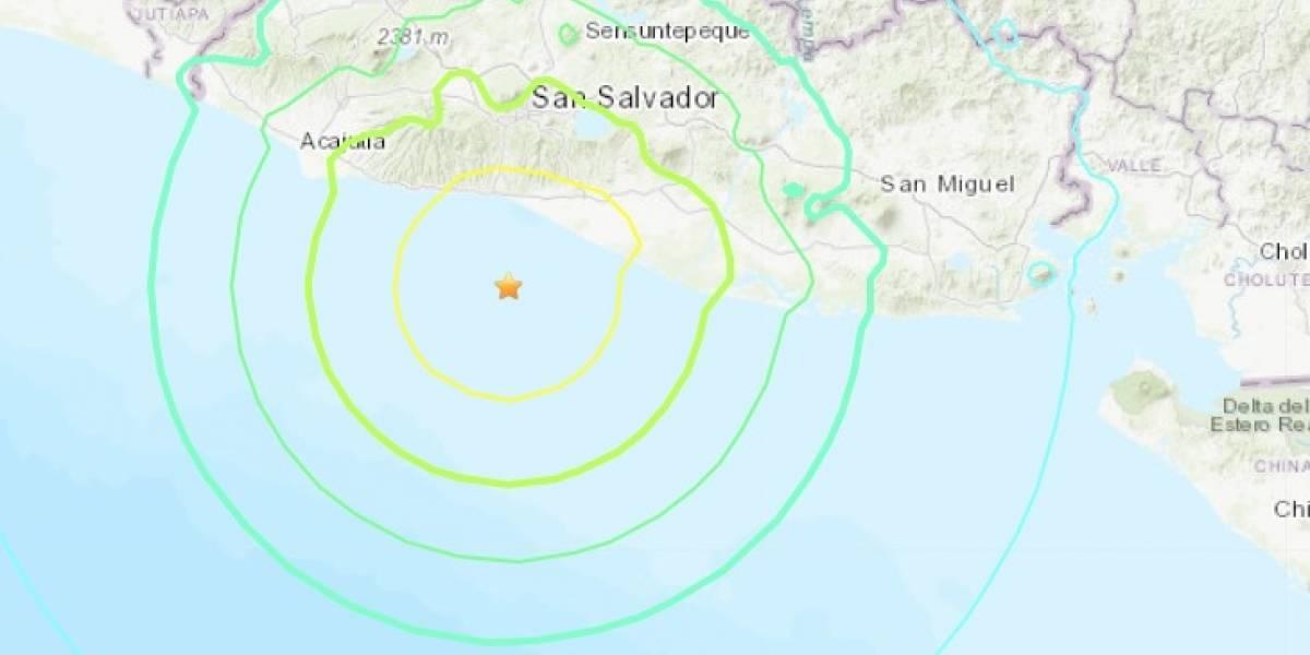 Terremoto remece a la costa de El Salvador: evacuan la costa ante amenaza de tsunami