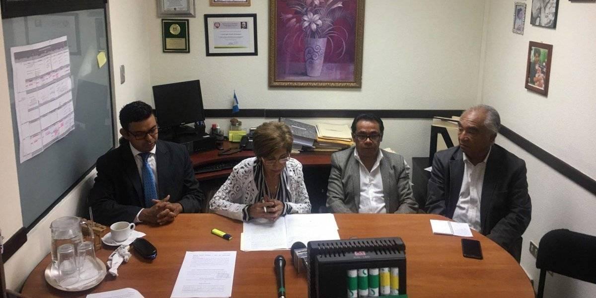 Denuncian a CNEE, distribuidoras y municipalidades por abuso en cobro del alumbrado público