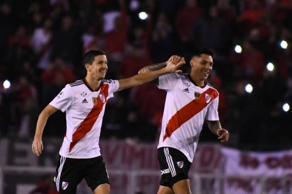 River Plate se consagra campeón de la Recopa y sigue