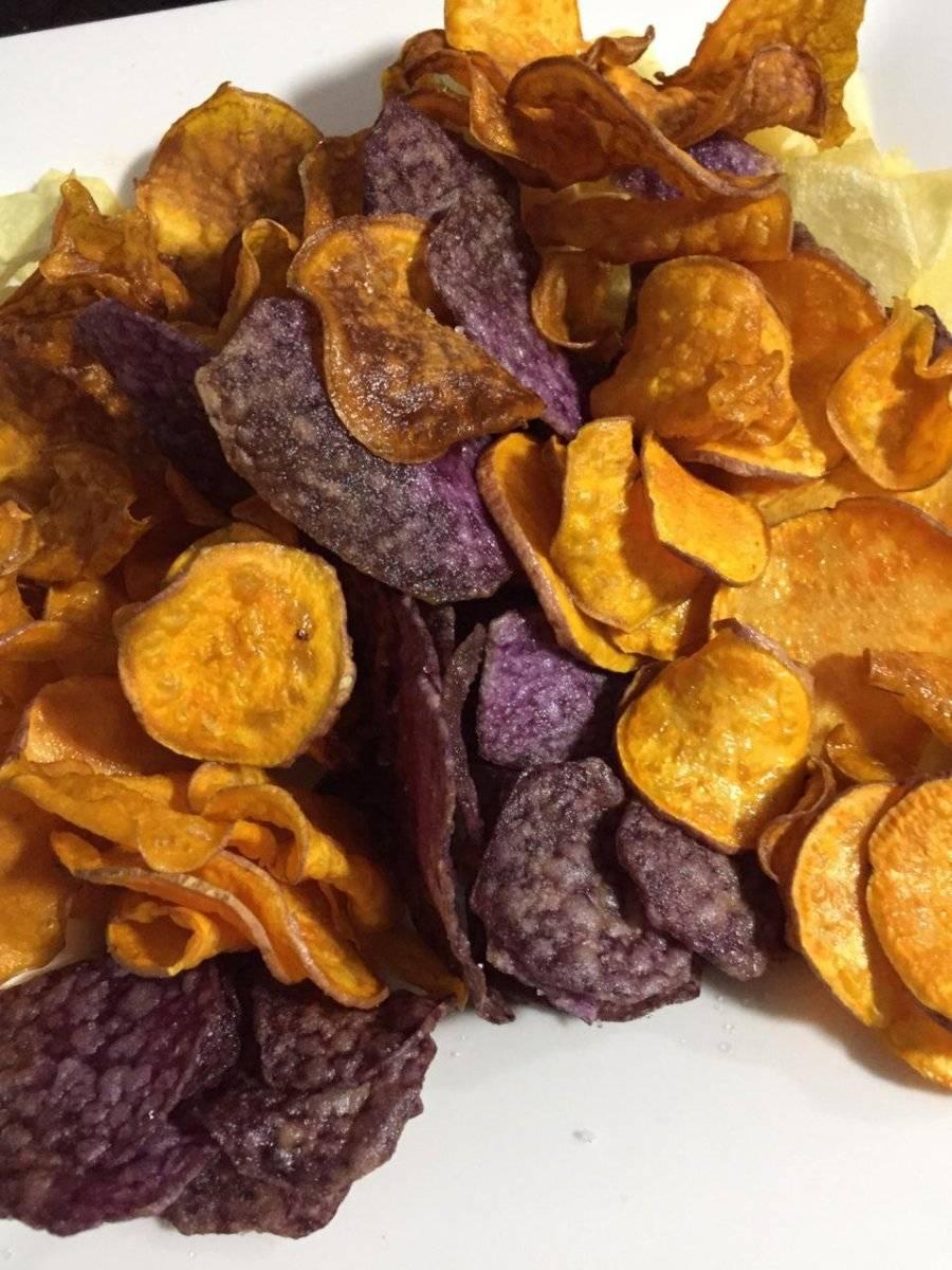 Chips de ñame morado y batata. The Jari´s Farm