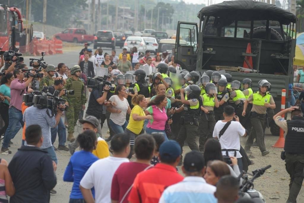 Seis fallecidos por amotinamiento en la Penitenciaría de Guayaquil API