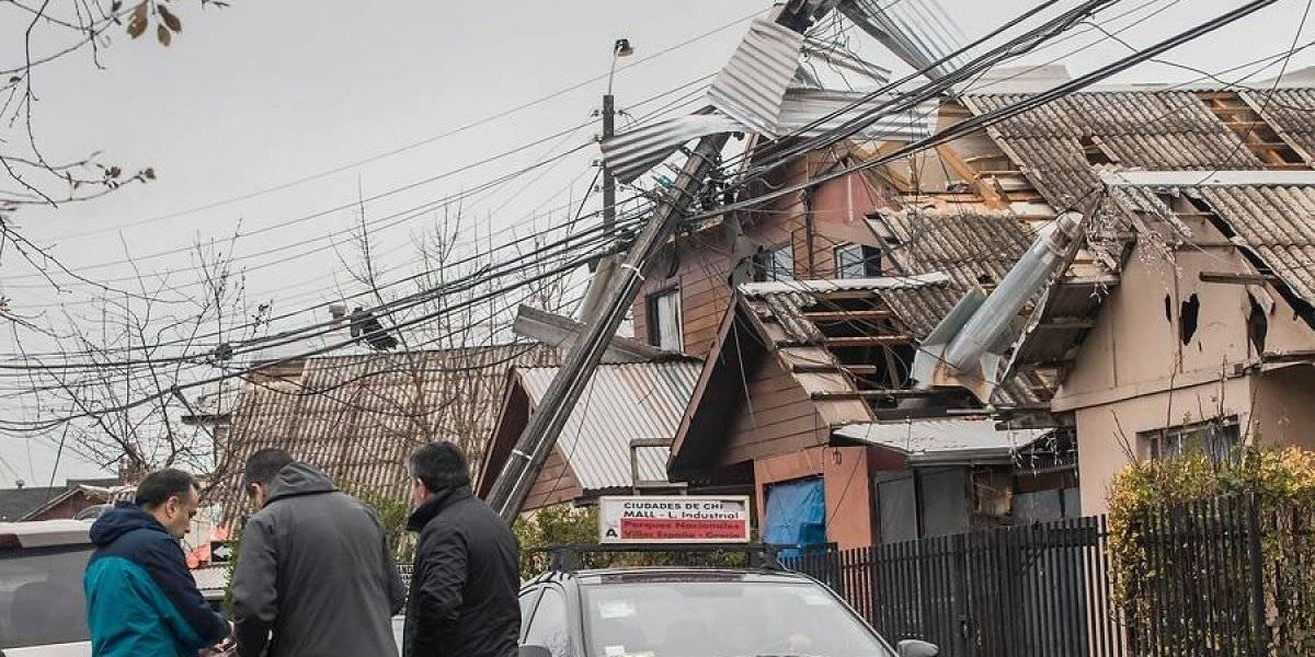 Tornado en Los Angeles, Región de Biobío: dan de alta a 13 lesionados y hogares sin luz bajan de 5.000 a 2.000
