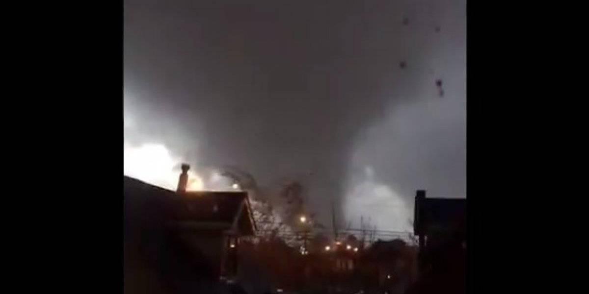"""""""Viene para acá mamá ¿qué hacemos?"""": el estremecedor audio que revela la magnitud y los daños que provocó el tornado en Los Ángeles"""