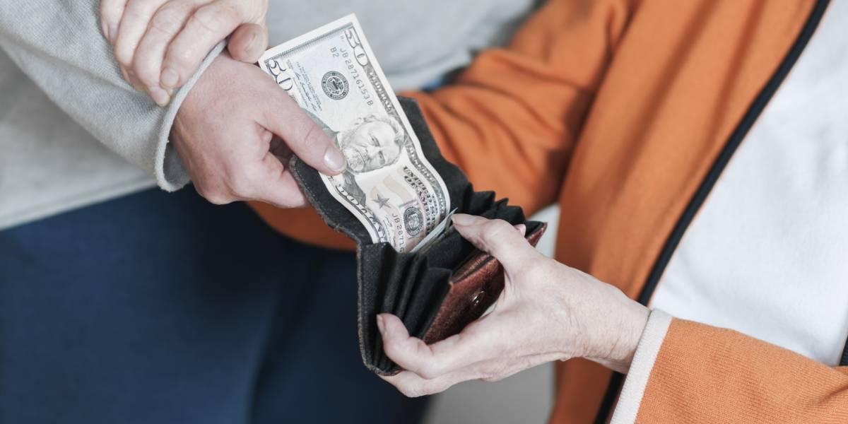 Enfrentará la justicia por explotación financiera a octogenaria