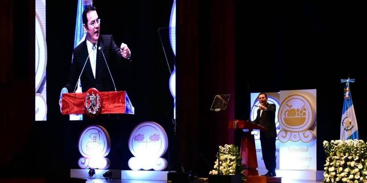 """Presidente pide a autoridades que resulten electas poner a """"Guatemala por sobre todo"""""""