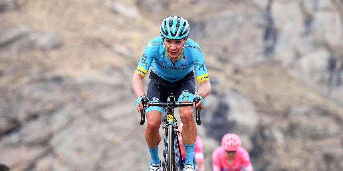 VIDEO: Ciclista golpea al aficionado que lo tiró en el Giro de Italia