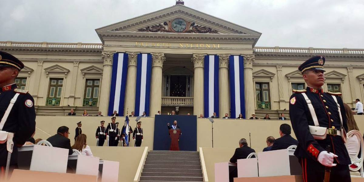 Nayib Bukele asume la presidencia de El Salvador