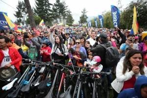 Apoyo a Carapaz en Quito