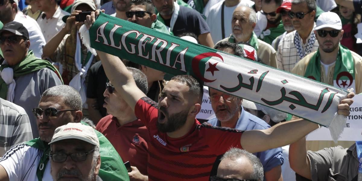 Argelia aplaza sus elecciones presidenciales