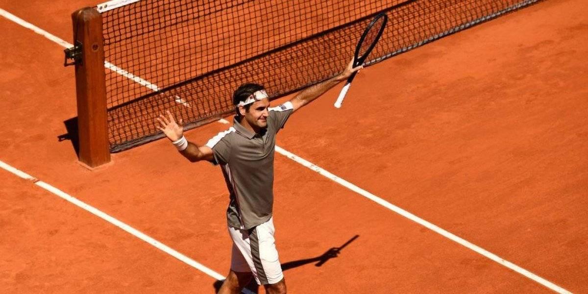 Roger Federer se instala en cuartos de final de Roland Garros sin despeinarse