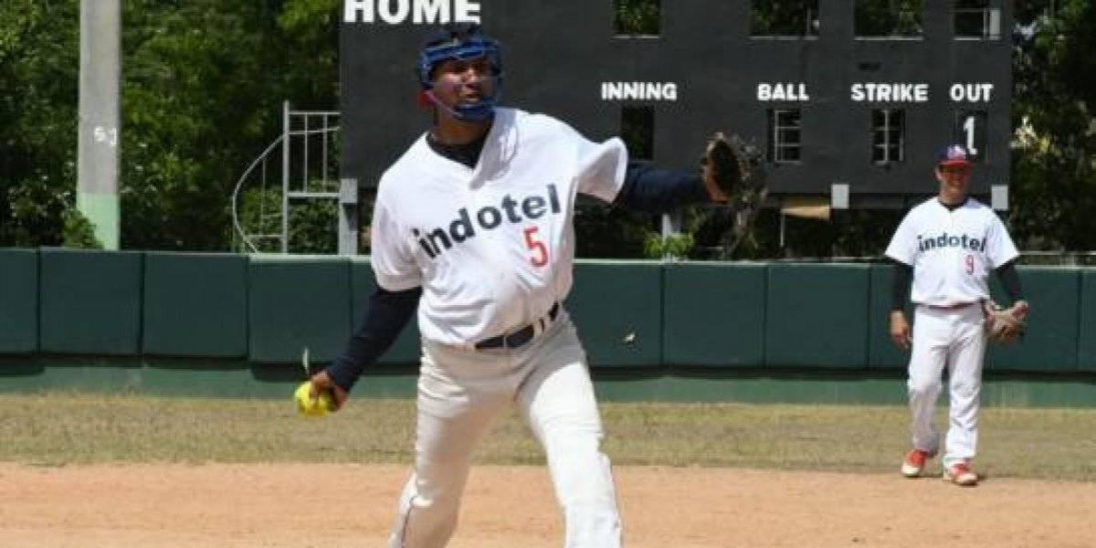 Banreservas e Indotel- 1 disputarán la final de torneo sóftbol gubernamental