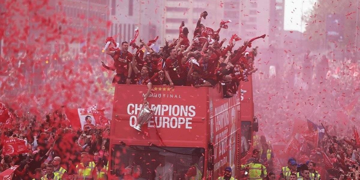 """Liverpool se viste de rojo en la celebración de la sexta """"Orejona"""""""