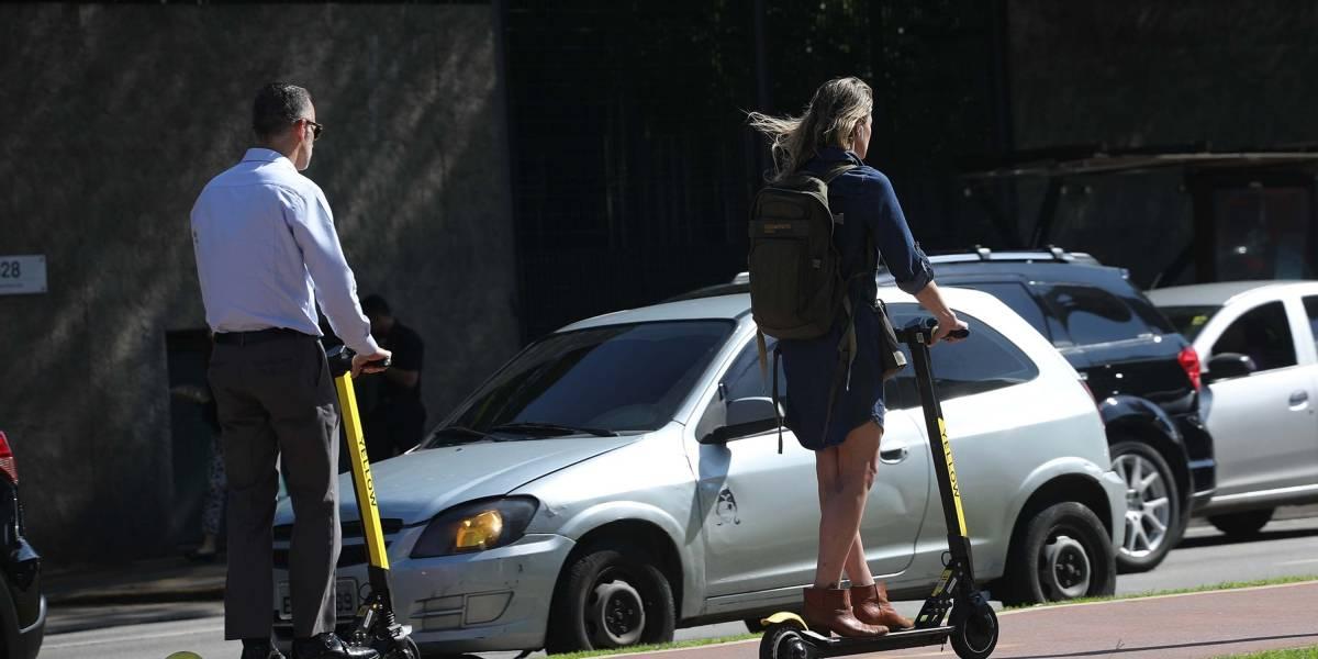 Patinete elétrico é proibido para menores de 18 anos e terá de ser estacionado em bolsões em São Paulo