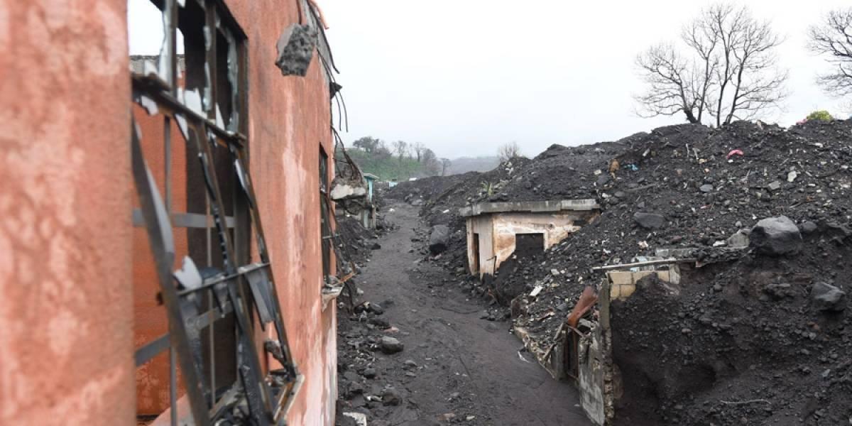 Escombros que quedaron en San Miguel Los Lotes, tras la erupción del volcán de fuego Omar Solís