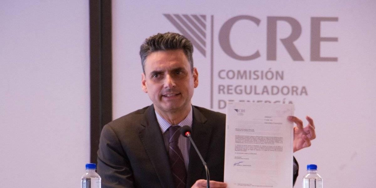 Renuncia Guillermo García Alcocer, comisionado presidente de la CRE