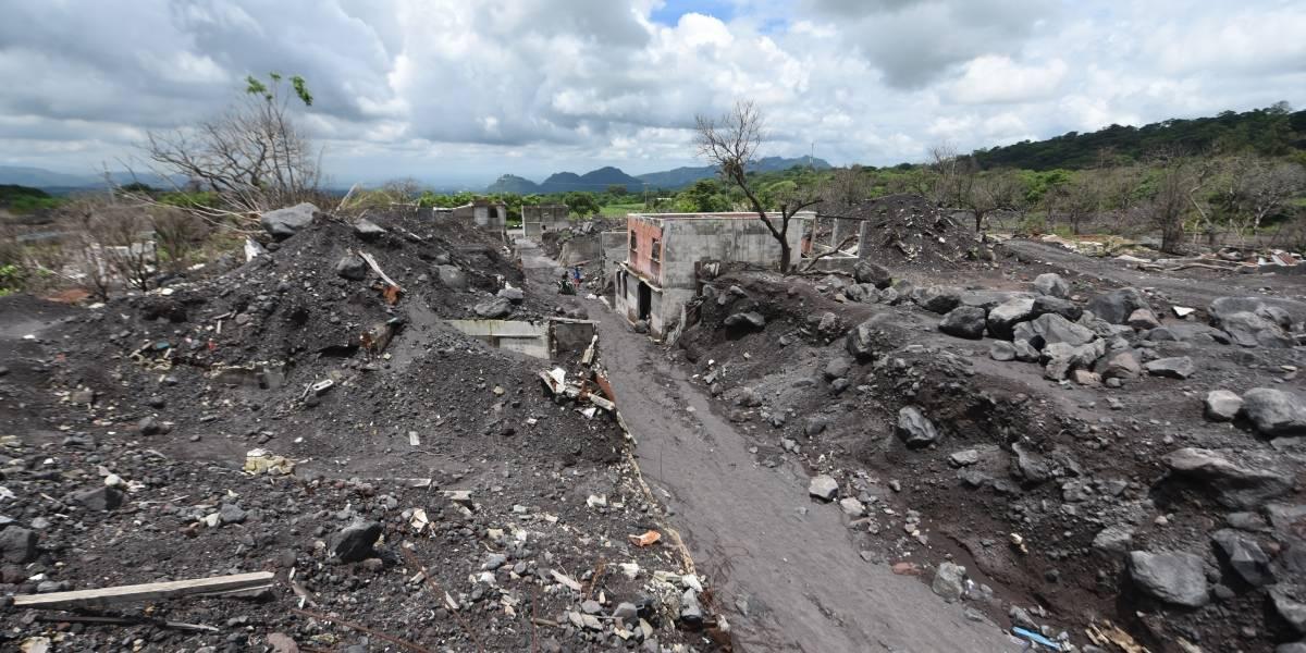 Un año después, la desolación reina en la zona devastada por erupción en Guatemala