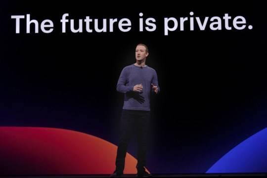 """Según un abogado de Facebook, la privacidad en internet """"no existe"""""""
