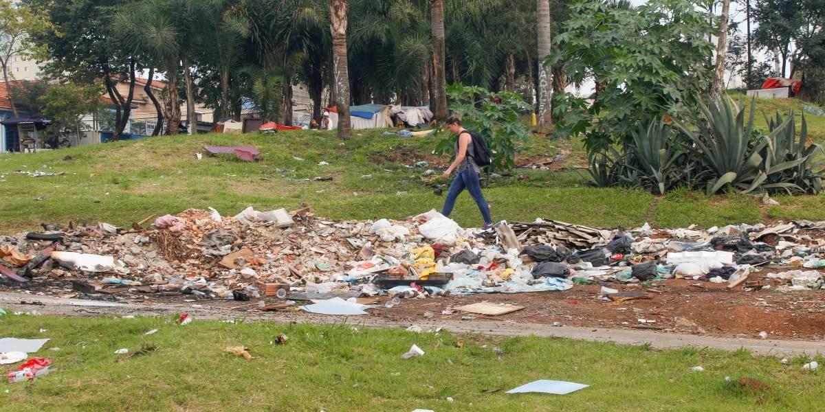 Santo André: Quase um mês após operação, avenida Prestes Maia pouco mudou