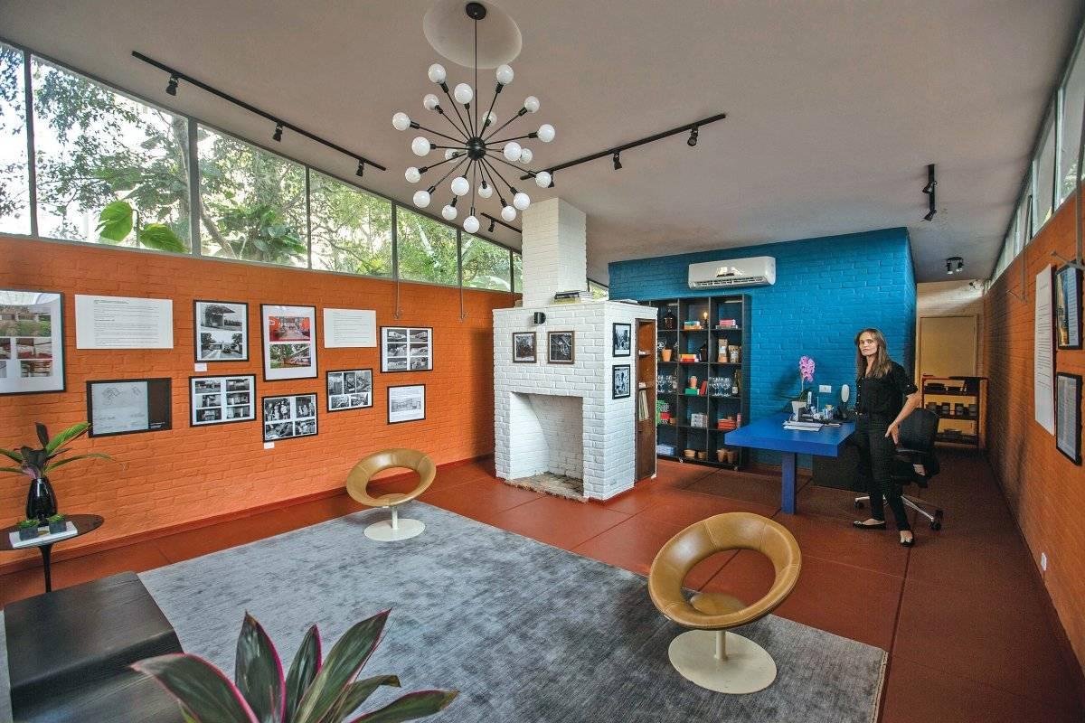 Salão interno apresenta exposição sobre arquitetura do próprio espaço. Foto: André Porto / Metro Jornal.