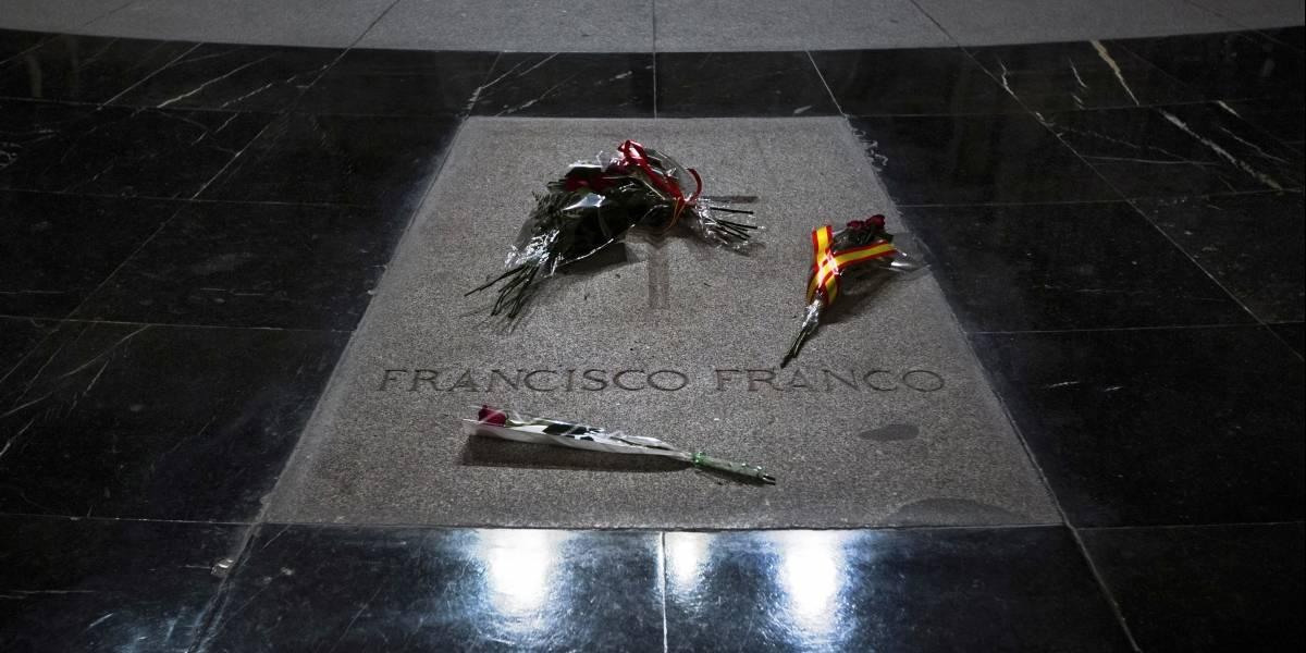 Corte española suspende los planes para exhumar a Franco