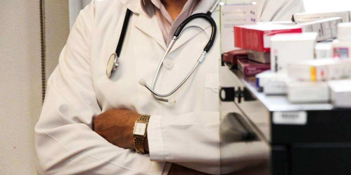 Supuesto médico enfrentará juicios por presunta violación a tres mujeres en Cuenca