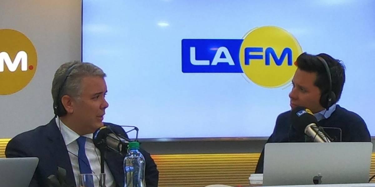 Luis Carlos Vélez e Iván Duque se vuelven a encontrar y critican al periodista