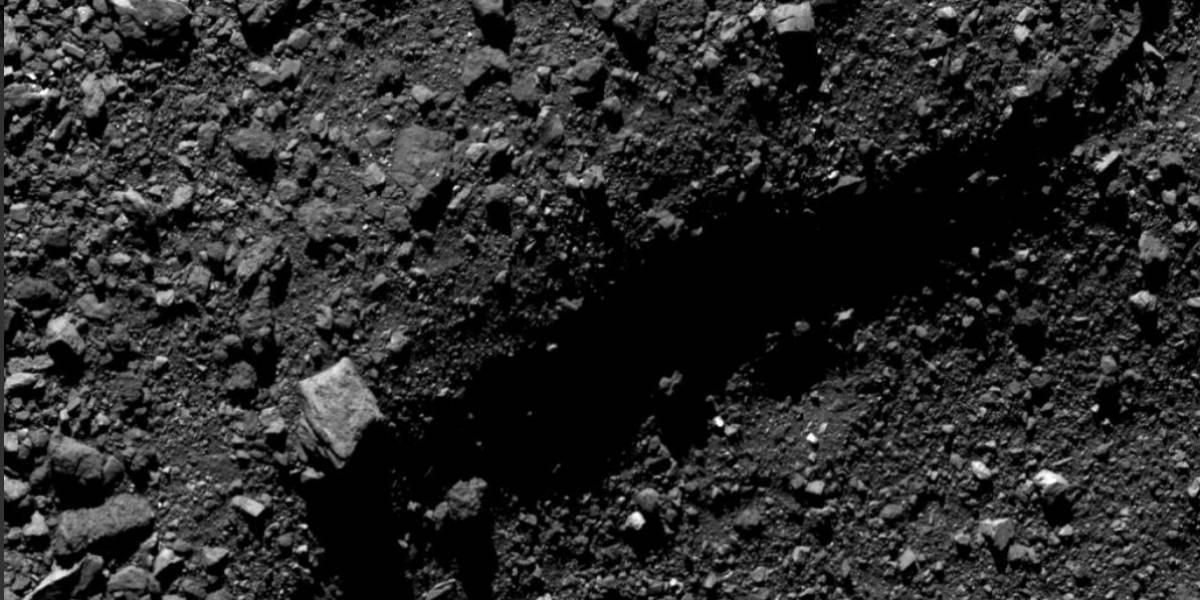 Imagem da NASA revela impressionante cratera no asteroide Bennu