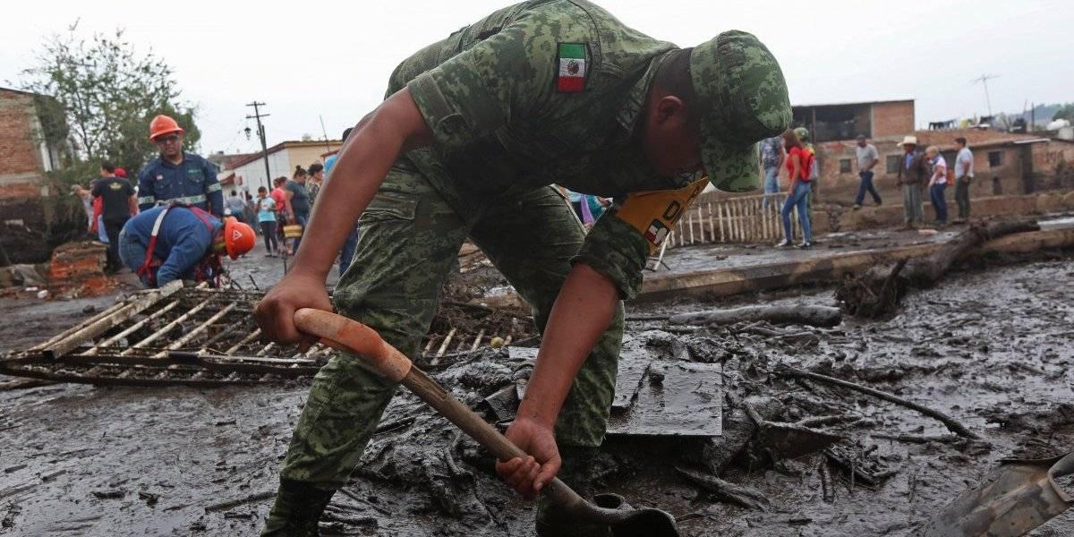 Continúan labores de apoyo a afectados en Jalisco