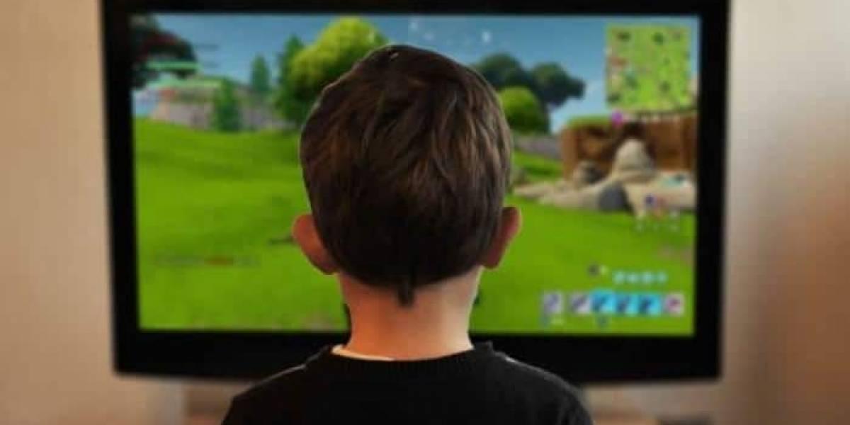 Niño roba los ahorros de su hermana para escaparse y jugar Fortnite