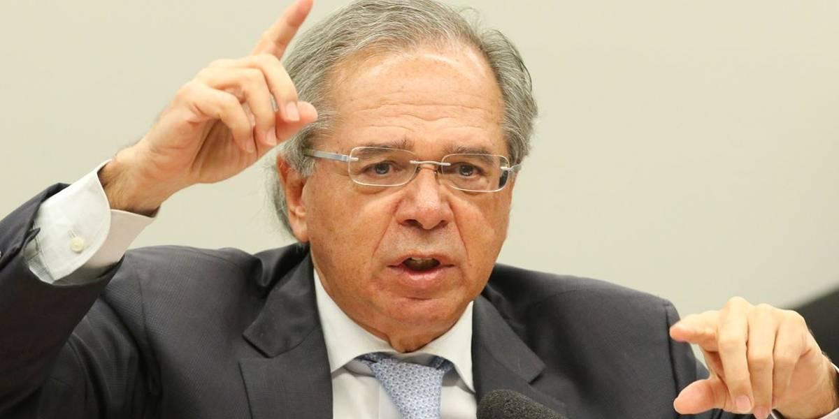 Brasil é uma baleia ferida que não consegue se mover, diz Guedes