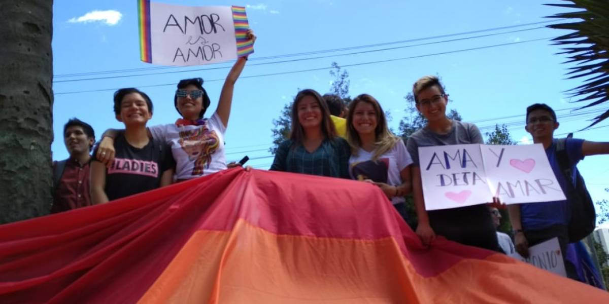 Corte Constitucional da paso al matrimonio igualitario en Ecuador