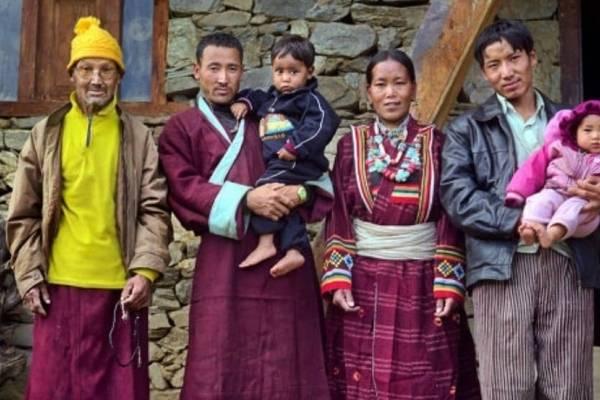 Las relaciones poligamicas no son malas.  - Página 2 Nepalpoliandria-09c35a477b93dc7ec12528f0d41f8dbb-600x400