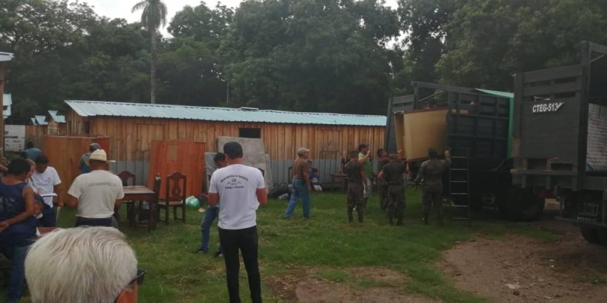 FOTO. Peligro por descenso de lahares obliga a Conred al traslado de 74 familias