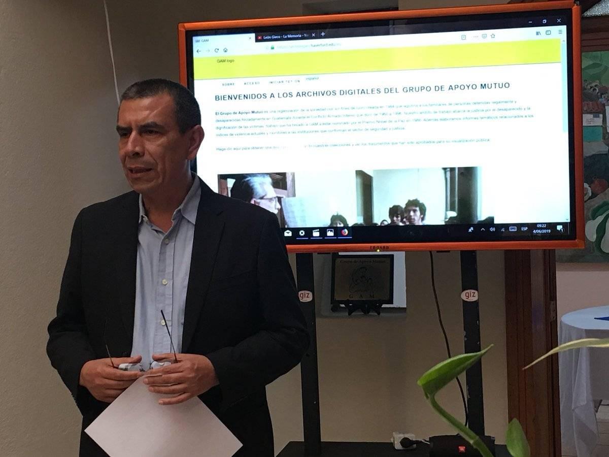 Mario Polanco, director del GAM, en la presentación del archivo histórico de esa organización. Jerson Ramos