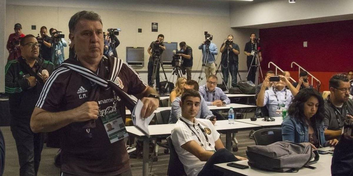 Tata Martino lamenta no contar con Carlos Vela