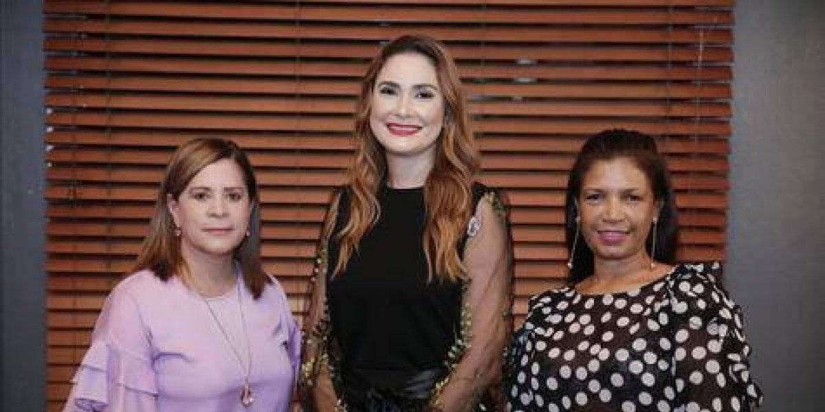 #TeVimosEn: Farmacia Carol entrega cheque a Fundación Dominicana de Cardiología