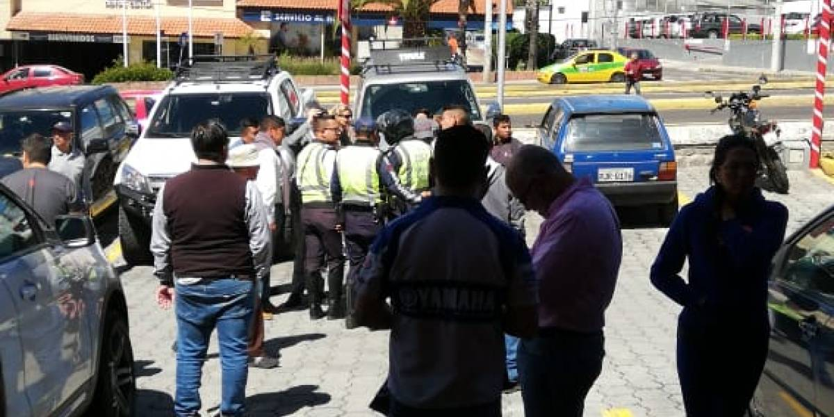 Mujer falleció tras ser atropellada en un Centro Comercial de Cumbayá