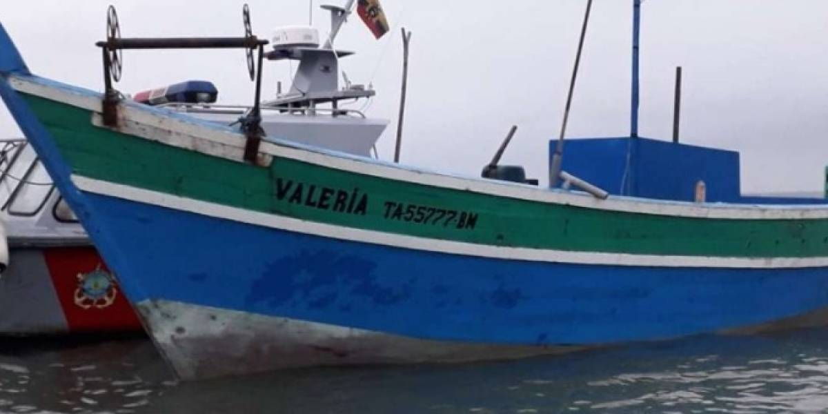 La Armada detuvo a dos embarcaciones pesqueras peruanas