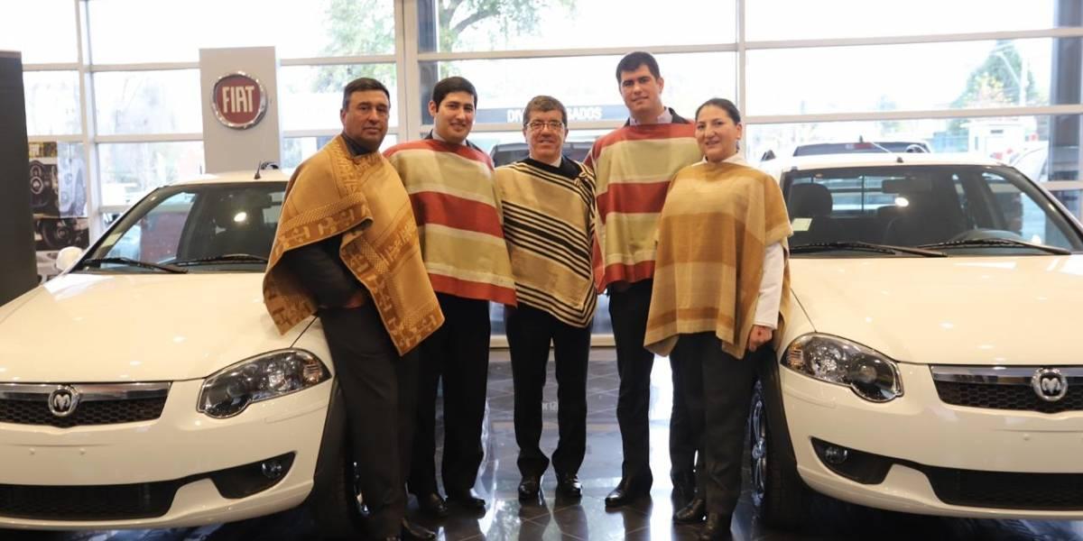 Los ganadores del Nacional de Rodeo reciben sus autos Fiat y camionetas RAM