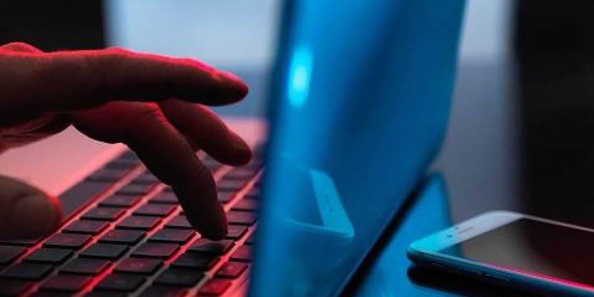 Ciberbullying: Qué problemas causa, cómo denunciarlo y qué debes hacer para eliminar fotos de internet