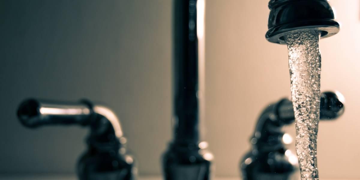 "Quito registra ""sobreconsumo"" de agua potable en actividades no indispensables"