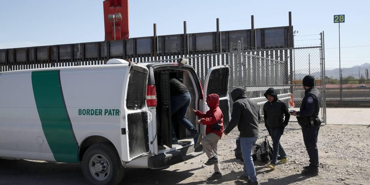 Incrementa 32% detenciones de migrantes en frontera de EU con México