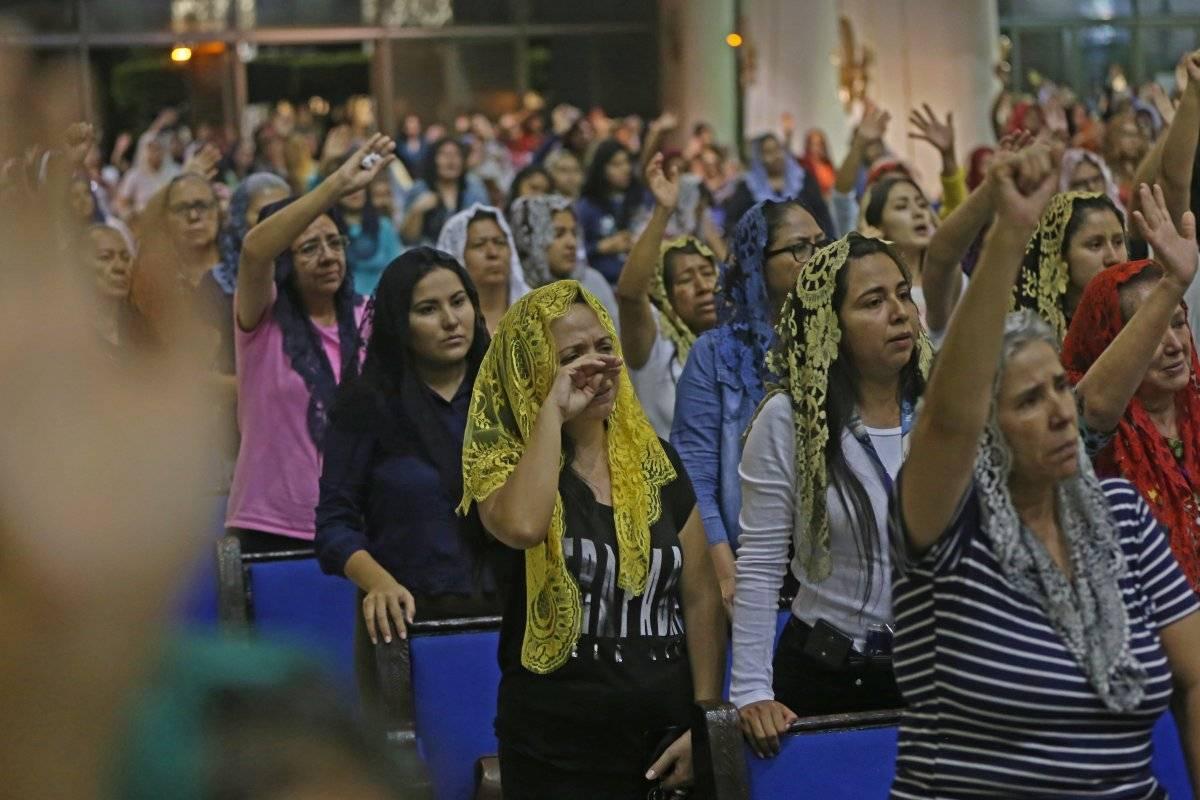 Los creyentes han manifestado apoyo total a su líder. Foto: Cuartoscuro.