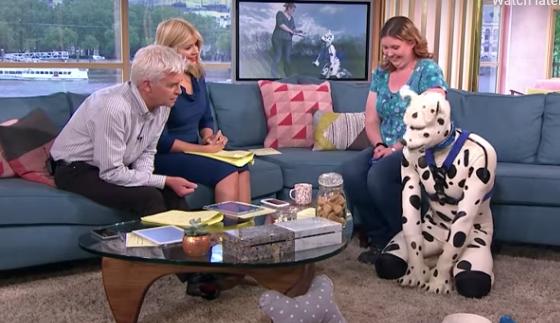 Hombre dice que se siente como un perro y quiere ser reconocido como un 'transespecie'
