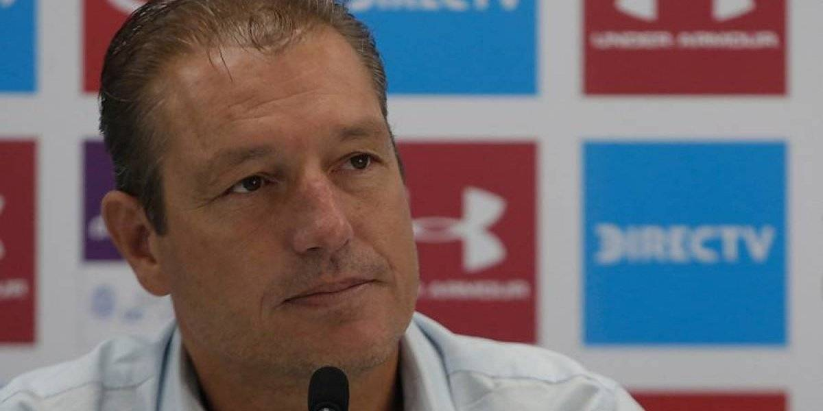 """Buljubasich avisa en la UC: """"No creo que haya una necesidad imperiosa de traer jugadores si no se va nadie"""""""