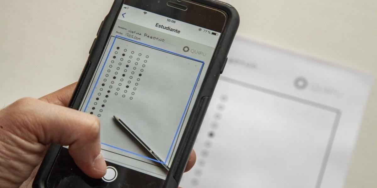 La mejor noticia para los profes: ingenieros chilenos crean aplicación que permite corregir pruebas con alternativas en segundos